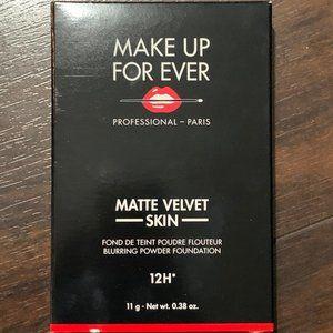 Make Up Forever Matte Velvet Powder Foundation